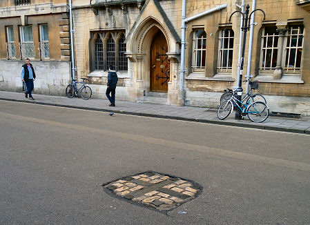 Oxford Martyrs Cross