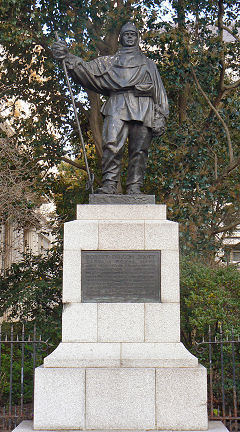 Statue of Robert Falcon Scott of the Antarctic