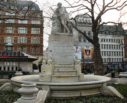 Shakespeare statue London