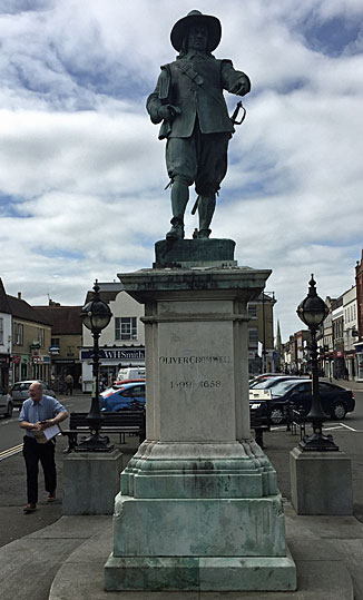 Statue of Oliver Cromwell in St Ives